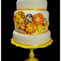 Yellow Love This is actually one of my own wedding cakes (what can I say, deciding on just one design was too hard!). It is a show cake (dummy cake...