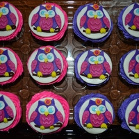 Owl Cupcakes I was provided a napkin from party and they needed them to match it.