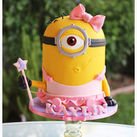 Ooooh! Pretty Minion! Looks like Dave got into Margo's Ballerina outfit :) I highly recommend Lesley Wrights Minion tutorial..:)