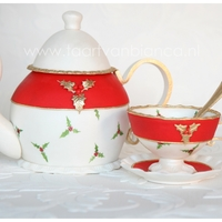 Teapot With Cup Christmas   de teacup, dish and spoon are made with fondant, the teapot is carved out of cake