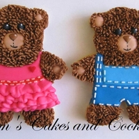 Teddybear Cookies boy and girl teddy bears :-) Sugarcookies decorated with royal icing.