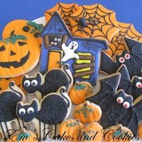Halloween Cookie Platter Halloween cookies: jack-o-lanterns, spiderwebs, black cats, haunted house, bats, pumpkins.