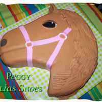 Horse This cake was made from a big round cake.