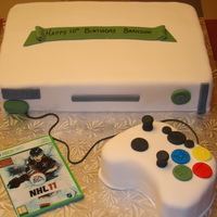 Xbox Cake Xbox cake with gumpaste game and controller