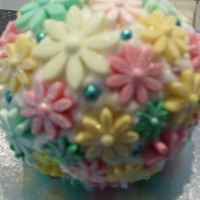 "Large ""kissing Ball"" Cupcake"