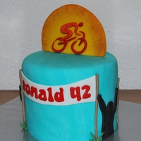 Race Biker Cake Same customer ordered another cake for her husband, who's an avid race biker. I'd been working on a race bike for 2 evenings but...