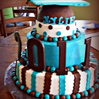 2011 Graduation! My first cake for a large event :)