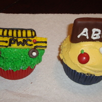 Back-To-School Cupcakes Thanks for the Family Fun website for the inspiration!