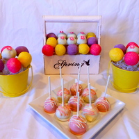 Spring Cake Pops I wanted to try some new designs and new containers.
