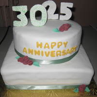 Anniversary Cake Firtst small roses cake