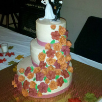 Fall Wedding Flowers are made of fondant.