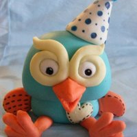 Hoot The Owl (Giggle & Hoot) Fondant owl, personalised for customer (dressed in his party hat) ready for the little boy's first birthday. TFL :)