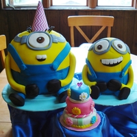 Minions This was for a little girls birthday, she loves the Minions.