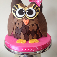 3D Owl Cake! After seeing the 2d owl cake I made for my best friend, someone asked if I could make a 3d one... So I tried, and this is how she turned...