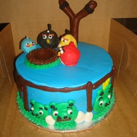 Angry Birds   The Angry Birds were cakeballs, the slingshot was chocolate fondant and the rest was buttercream.