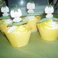 Milly's Sweet Pea Baby Shower Cupcakes. i made these cupcake for my bbf baby shower. they was Yellow Velvet cakes with cream cheese icing. these cupcake was part of a super cake...
