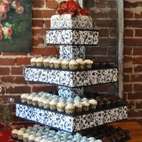Damask Wedding - Cake & Cupcakes