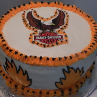 Harley Cake WASC with strawberry filling and vanill buttercream, Eagle is a sticker.