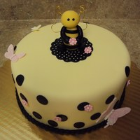 Bee   cakes by angela