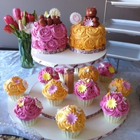 Bear And Rose Cake - 1St Birthday roses and bears cake.. made these for my 2 nieces who both turned 1