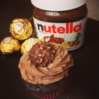 Nutella Aka Heavenly Cupcakes Chocolate Cake With Nutella Filling And Tipped With A Nutella Buttercream And A Ferrero Rocher Nutella aka heavenly cupcakes!!! Chocolate cake with Nutella filling and tipped with a Nutella buttercream and a Ferrero Rocher