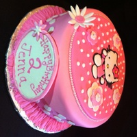 Hello Kitty   This is a white cake with raspberry filling. The Hello Kitty is a RI transfer. Thanks for looking!