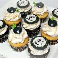 Black And White Bridal Shower Cupcakes handmade gumpaste toppers for a bridal shower!TFL