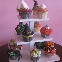 Halloween Cupcakes A couple different styles of halloween cupcakes