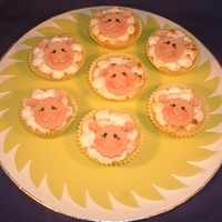 Easter Lamb Cupcakes Lemon Meringue cupcakes made into little Easter lambs!