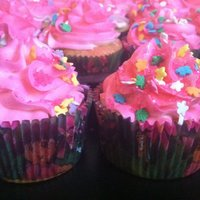 Dora Birthday Cupcakes And Mini Cake