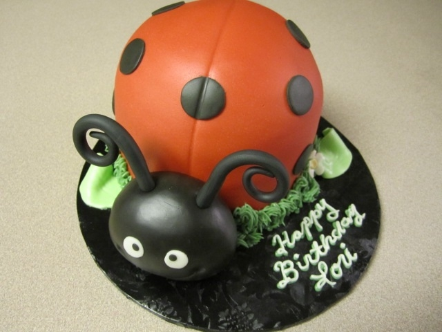 Red Velvet Filled W Cream Cheese Bc Covered In Homemade Fondant Ladybugs Head Is Solid Chocolate Fondant What A Fun Cake Red velvet filled w/ cream cheese BC covered in homemade fondant. Ladybugs head is solid chocolate fondant. What a fun cake!
