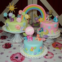 My Litlle Girl Vanilla cake with fondant. Lollipops,ballons,stars,sun & rainbowin gumpaste. The ponys are toys.