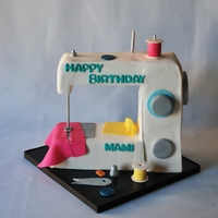Sewing Machine Cake For a 72 year old who has Sewn most of her life