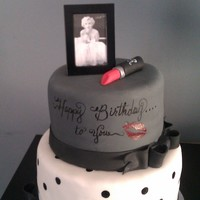 Marilyn Monroe Birthday Cake This was a cake that I did for my daughter's 15th Birthday. She loves Marilyn Monroe.