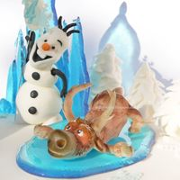 Olaf And Swen Frozen cakes. Olaf and Swen gumpaste figure.