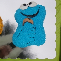 Cookie Monster Small Cookie Monster character pan with real cookie.