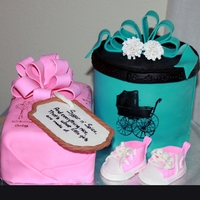 "Baby Shower Gifts Spice cake ""gifts"" and gumpaste converse"