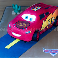 Lightning Mcqueen Lightning McQueen from Cars, created using Ann Reardon's tutorial from 'How to Cook That'. Well worth buying the template,...