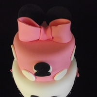 Minnie 6 and 8 inch cakes, covered in MMF with the Minnie theme