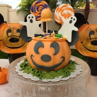 Mickey Trick-Or-Treat Pumpkin