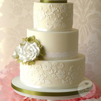Lace & Roses Wedding Cake