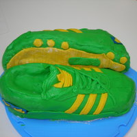 Adidas Trainers My first attempt at a shoe cake for a colleague's birthday. He loves his Brazilian trainers/sneakers!