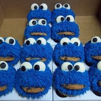 Cookie Monster Cupcakes   Buttercream hair and candy melt eyes