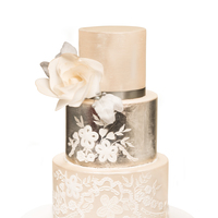 Silver Leaf & Ornament Wedding Cake about 3 months ago I did attend a Master Class with Faye Cahill who I admire already for a long while. absolutely gorgeous lady! Than I let...