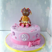 Upsy Daisy   girly cake with tv character upsy daisy