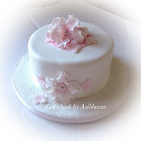 Floral Simplicity white cake with a hint of flowers
