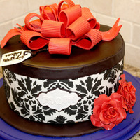 Black And White Damask Stencil Hat Box Cake