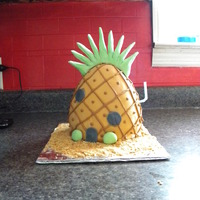 Spongebob's Pineapplel House This went with the Spongebob Batman cake to be used as the smash cake for a 1 year old boy. :)
