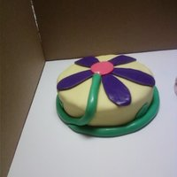 Flower Simple flower cake that was made for my niece.