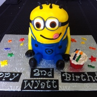 Despicable Me Minon Cake